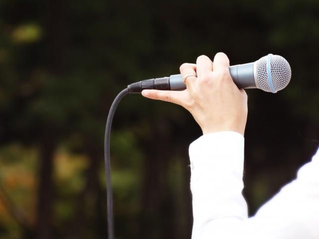 カラオケで失恋ソングを歌ってスッキリしよう!
