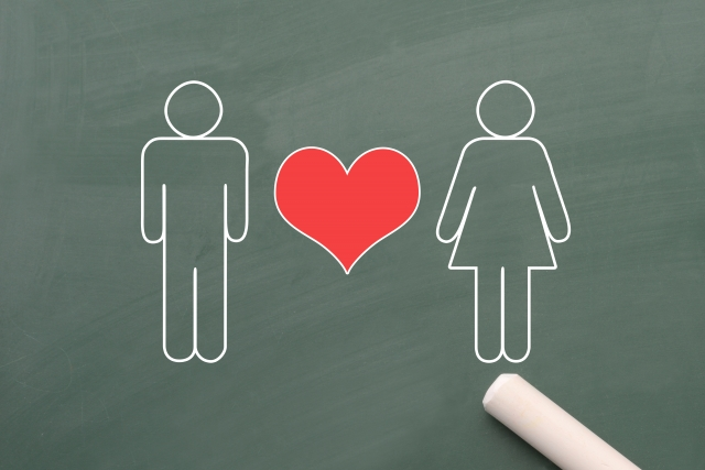 男女で失恋からの立ち直り方は違う