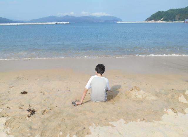 男は失恋うつになりやすい!早めに対策を:海と男性
