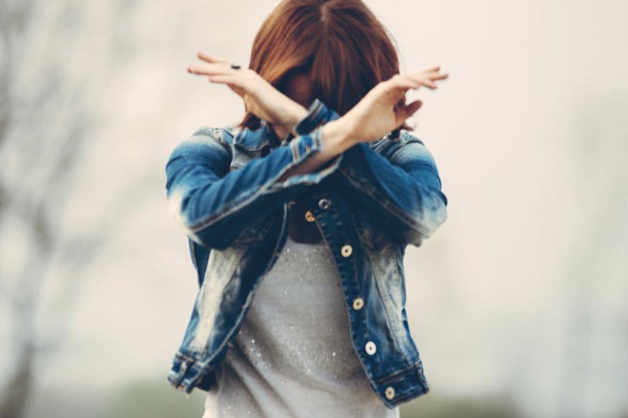 失恋から立ち直るためにやってはいけないこと